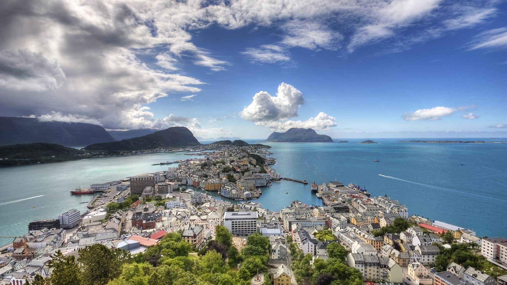 Alesund: Ocean, City, Alesund, Cityscape, Coast, Man Made, Norway