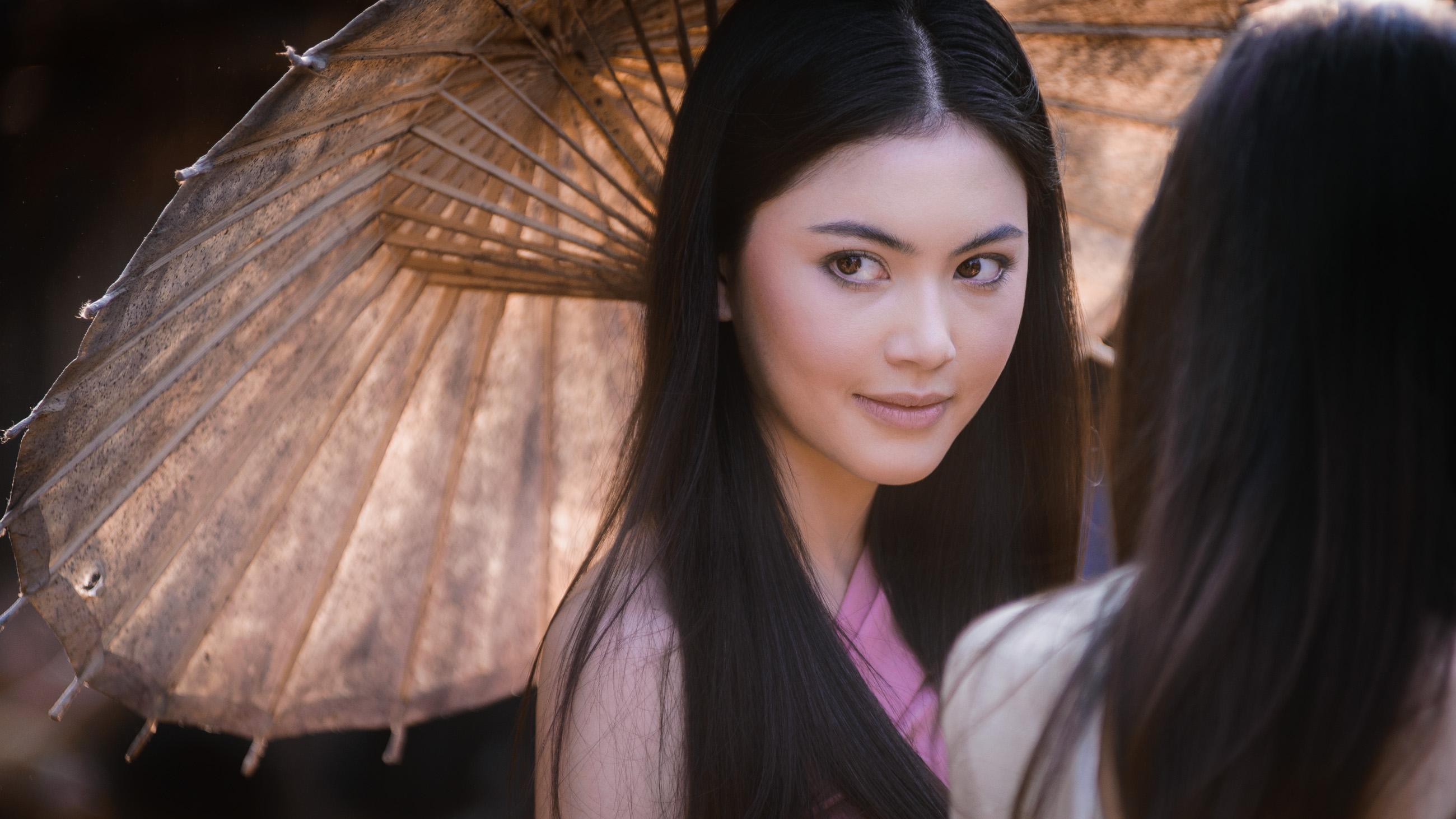 Davika Hoorne: Акторки, Brown Eyes, Brunette, Моделі, Davika Hoorne, Thai