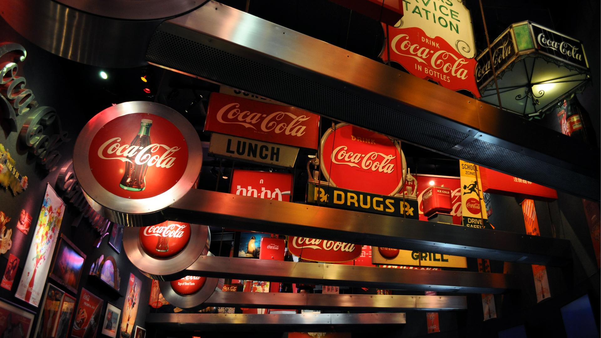 Coca Cola: Sign