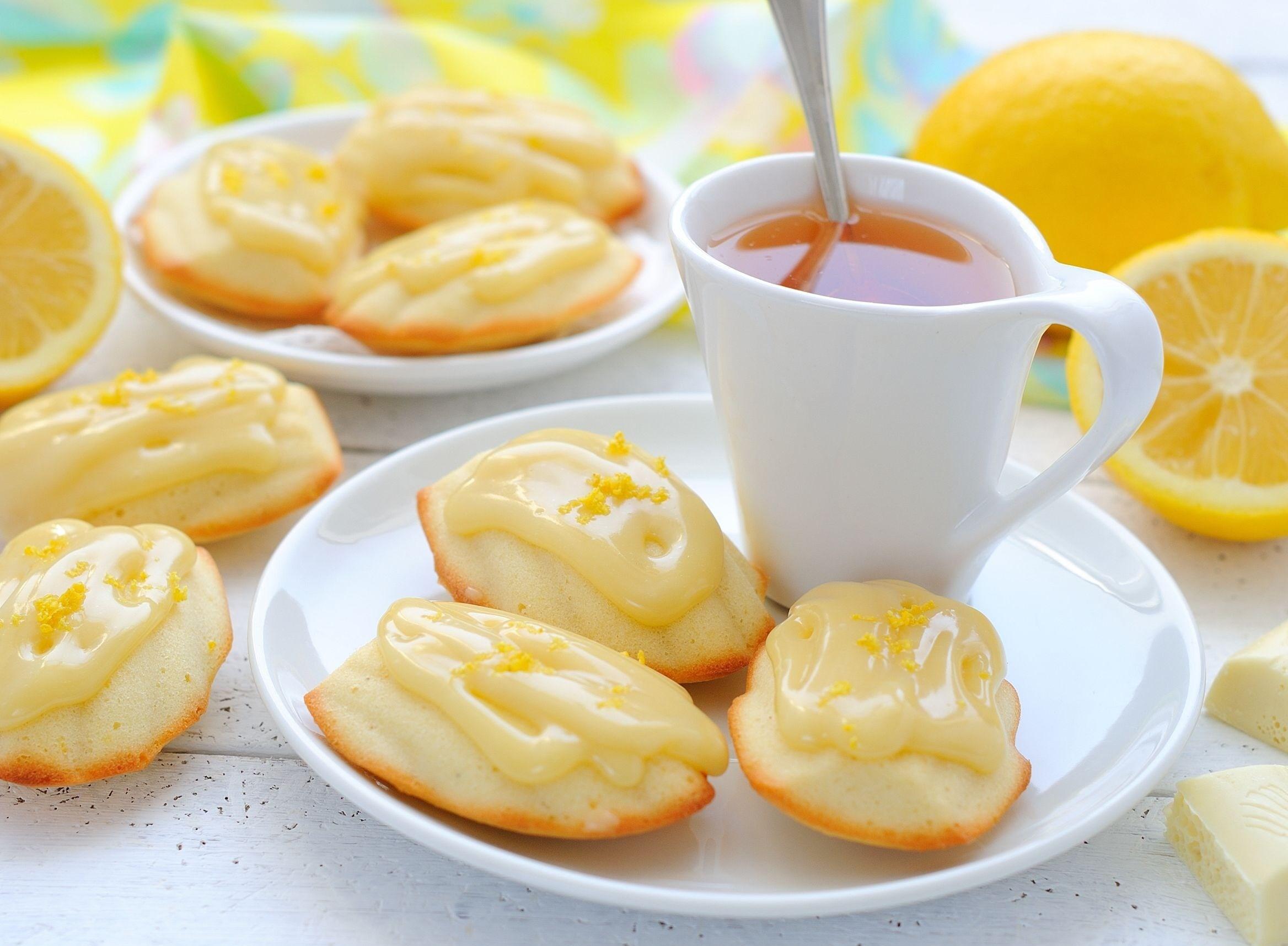 Madeleine: Лимон, Biscuit, Madeleine, Чай