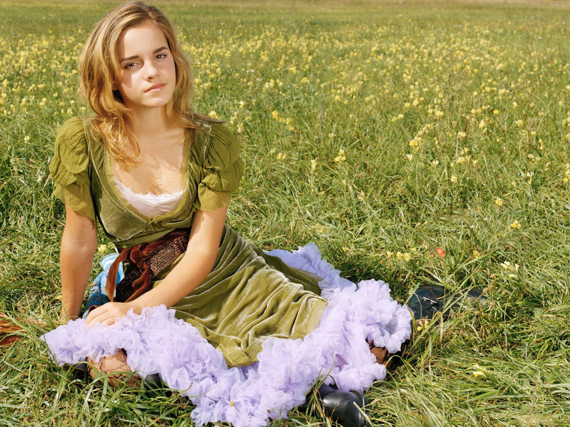 Emma Watson: Дівчата, Emma Watson