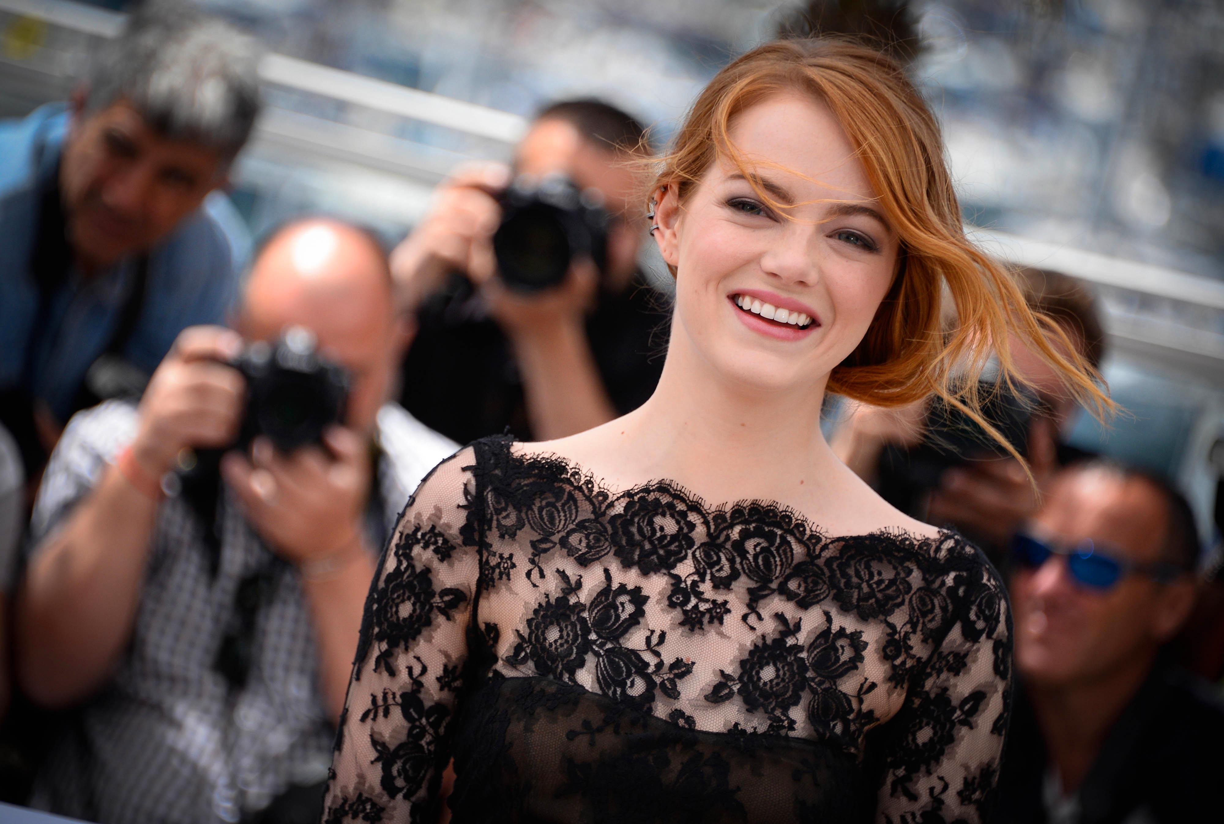 Emma Stone: Дівчата, Emma Stone
