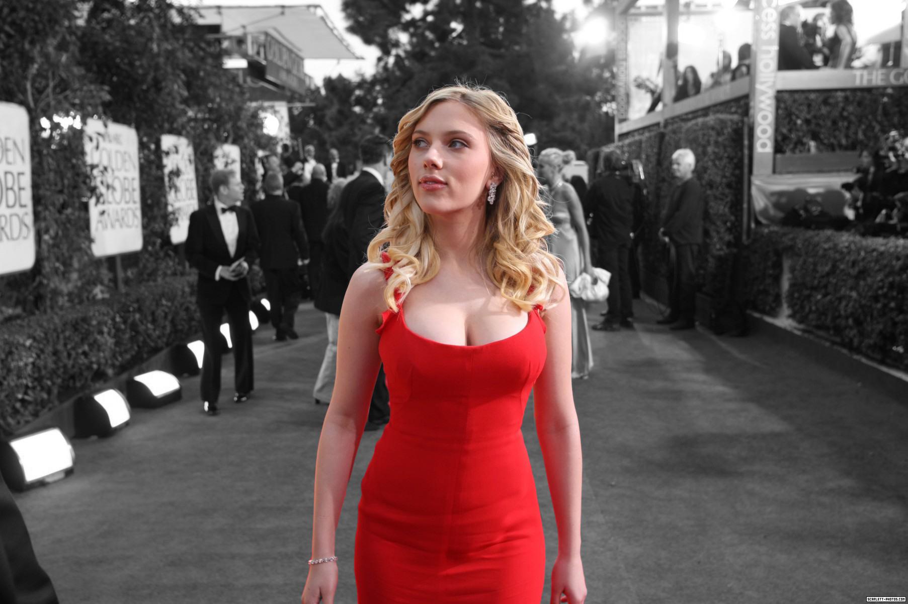 Scarlett Johansson: Scarlett Johansson, Дівчата