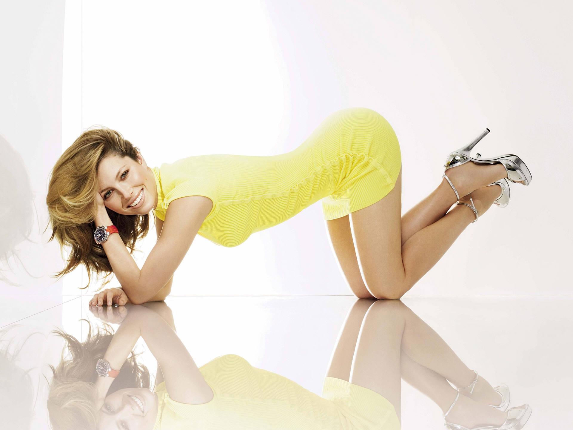 Jessica Biel: Jessica Biel, Дівчата
