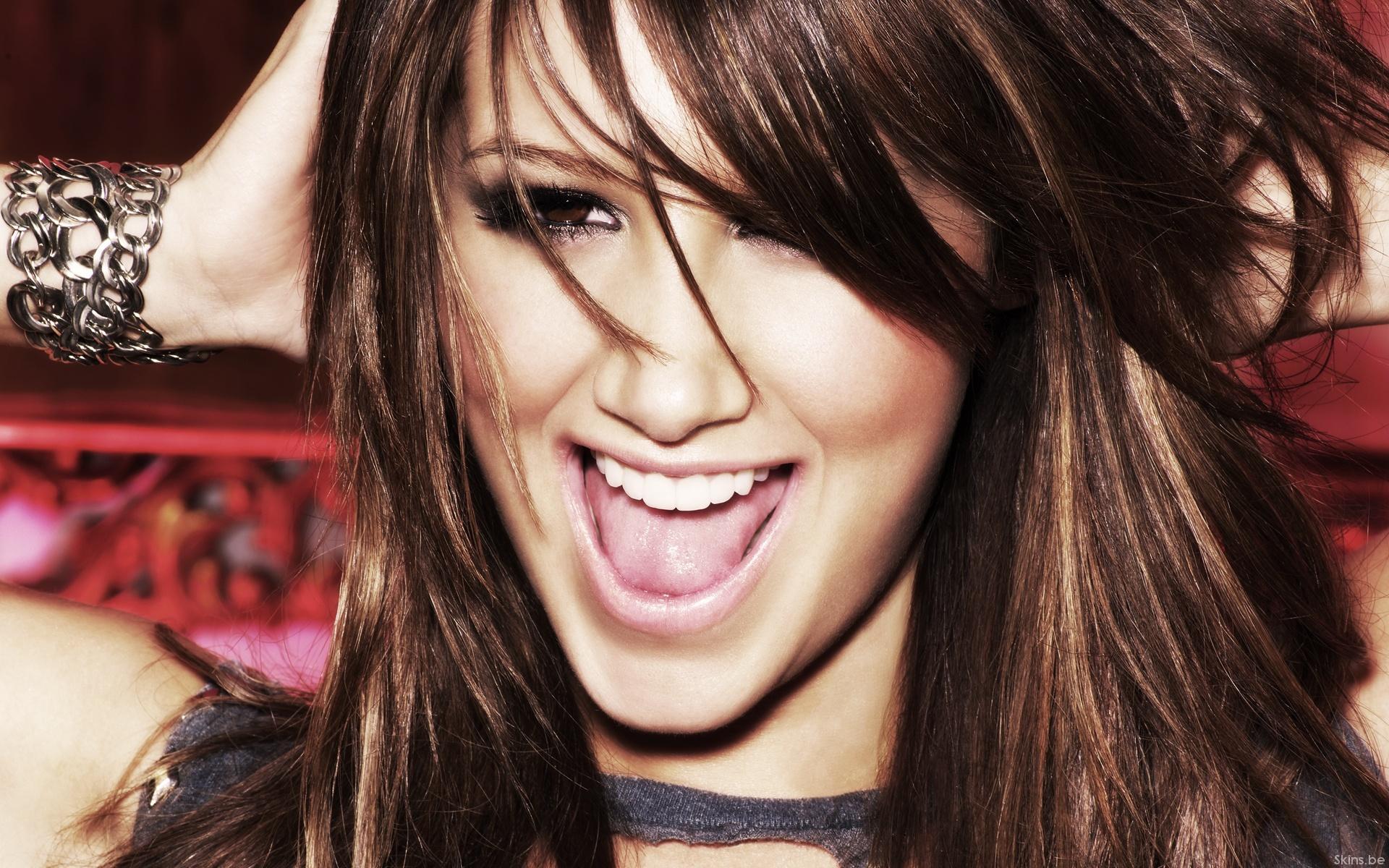 Ashley Tisdale: Дівчата, Ashley Tisdale