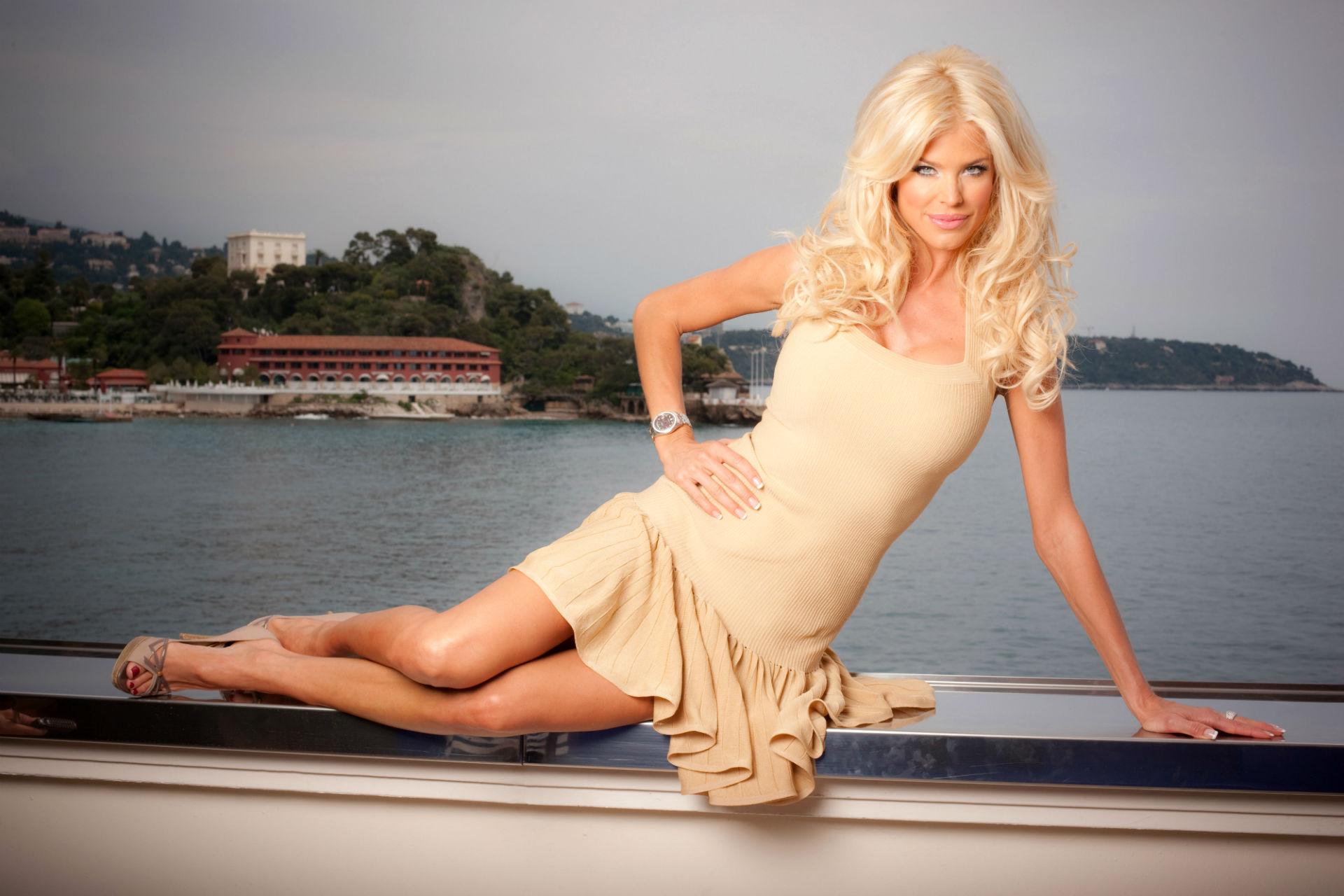 Victoria Silvstedt: Блондинки