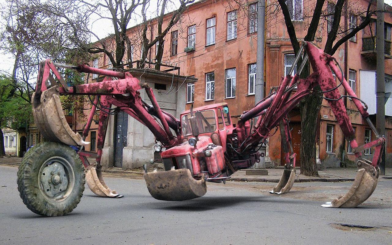 Fantasy: CGI, Tractor, Spider